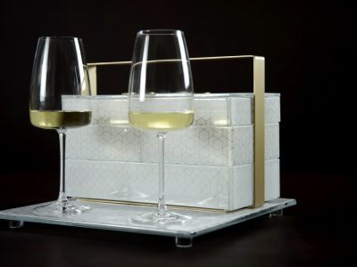 Stackable bento box for in-room dining service