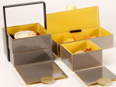 High tea box with Pantone 2021 color of the year